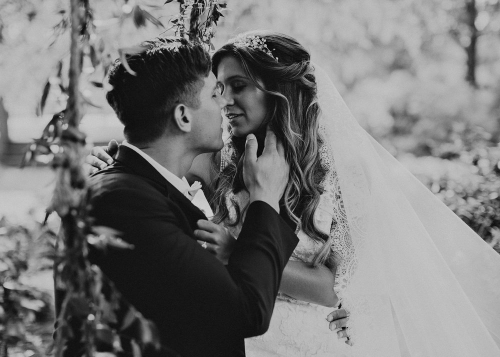 40Carl House Wedding Venue Ga, Atlanta Wedding Photographer - Boho, Bohemian, Junebug Weddings, Vintage, Retro, Trendy. Aline Marin Photography. .jpg