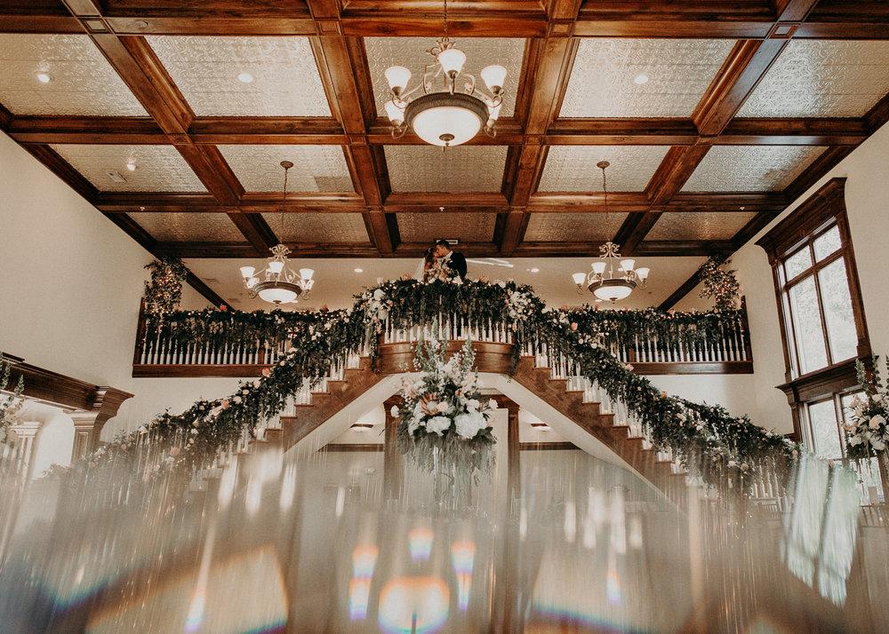64Carl House Wedding Venue Ga, Atlanta Wedding Photographer - Boho, Bohemian, Junebug Weddings, Vintage, Retro, Trendy. Aline Marin Photography. .jpg