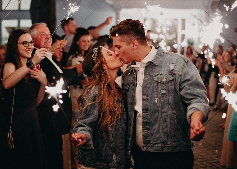 100Carl House Wedding Venue Ga, Atlanta Wedding Photographer - Boho, Bohemian, Junebug Weddings, Vintage, Retro, Trendy. Aline Marin Photography. .jpg