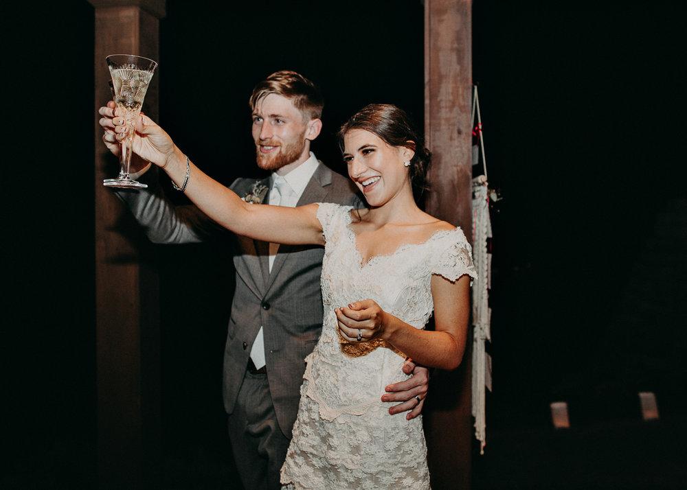 117.1 Wedding details .jpg