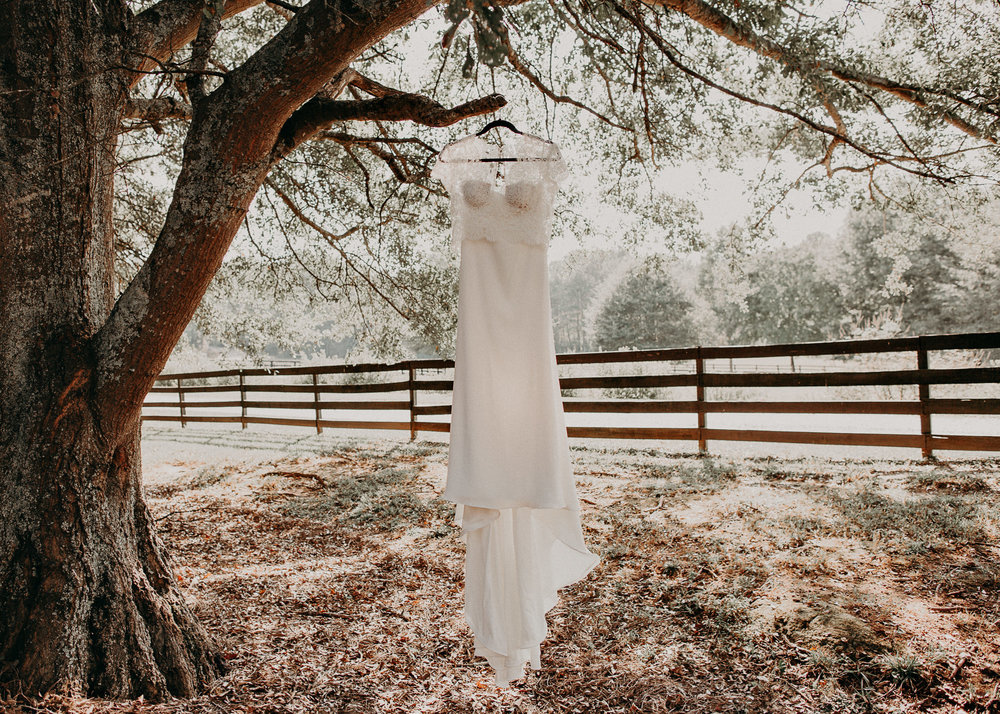 19 - wedding dress Getting ready wedding seranbi farms atlanta .jpg