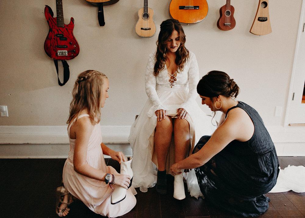 15 - Wedding getting ready : Atlanta wedding photographer .jpg