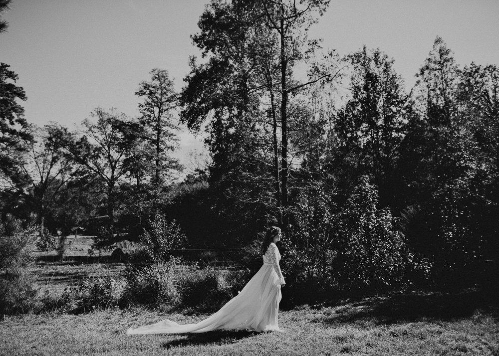 35 - Wedding first look : Atlanta wedding photographer .jpg