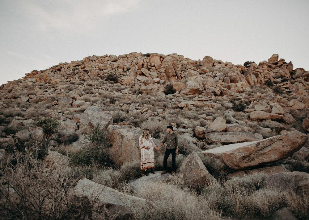 8 - Pregnancy photoshoot : California, Joshua tree : Atlanta wedding and portrait photographer .jpg