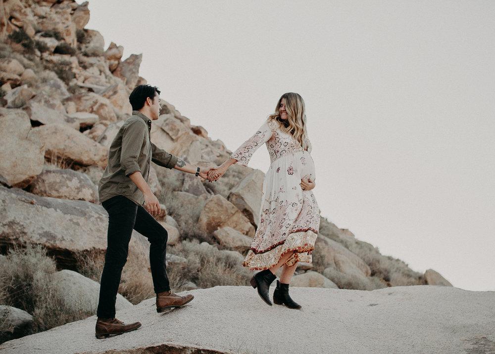 11 - Pregnancy photoshoot : California, Joshua tree : Atlanta wedding and portrait photographer .jpg