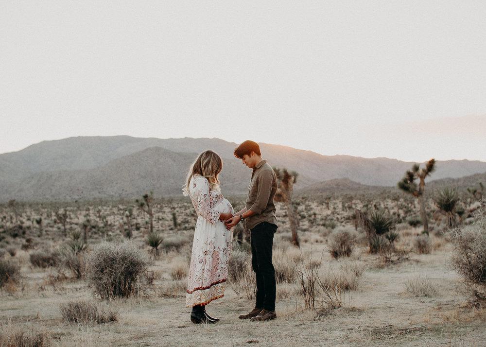 32 - Pregnancy photoshoot : California, Joshua tree : Atlanta wedding and portrait photographer .jpg