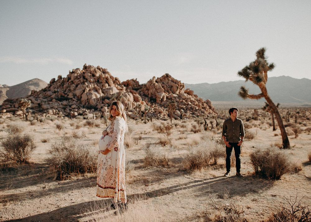 38 - Pregnancy photoshoot : California, Joshua tree : Atlanta wedding and portrait photographer .jpg