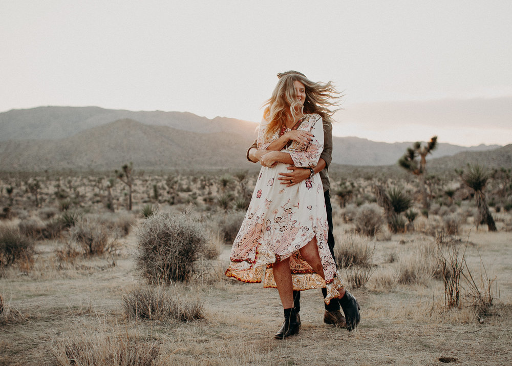 41 - Pregnancy photoshoot : California, Joshua tree : Atlanta wedding and portrait photographer .jpg