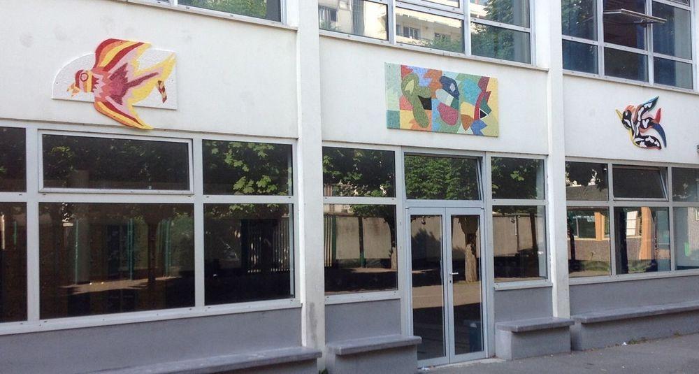 création d'une fresque mosaïque à l'école S. Delaunay à Paris 19