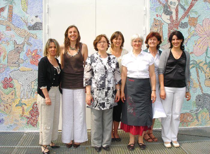 réalisation d'une fresque mosaïque à l'école Le Rosaire à St Leu la Forêt