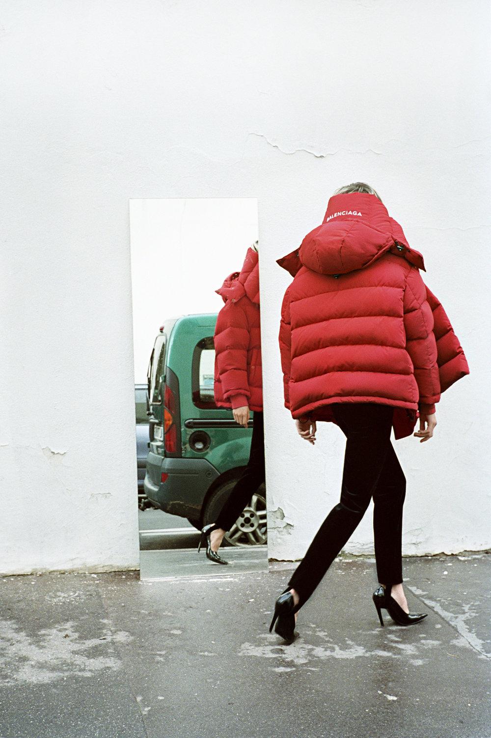 Campaña Balenciaga Otoño Invierno 2016, bajo la dirección creativa de Demna.