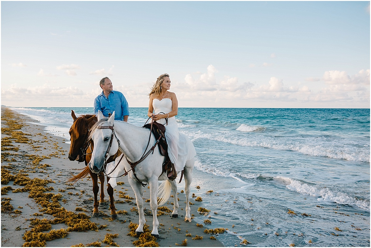 Horse_Engagement_Beach_Hutchinson_Island_Sonju_0019