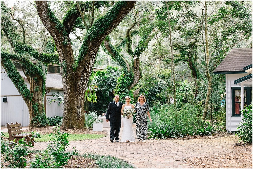 Flamingo-Gardens-Wedding-Photographer-Laura-Shaun-Sonju_0055.jpg