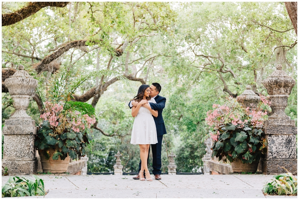 Engagement-session-vizcaya-miami-wedding-photographer-sonju00005.jpg