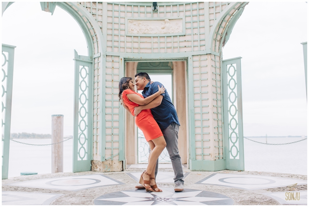 Engagement-session-vizcaya-miami-wedding-photographer-sonju00010.jpg