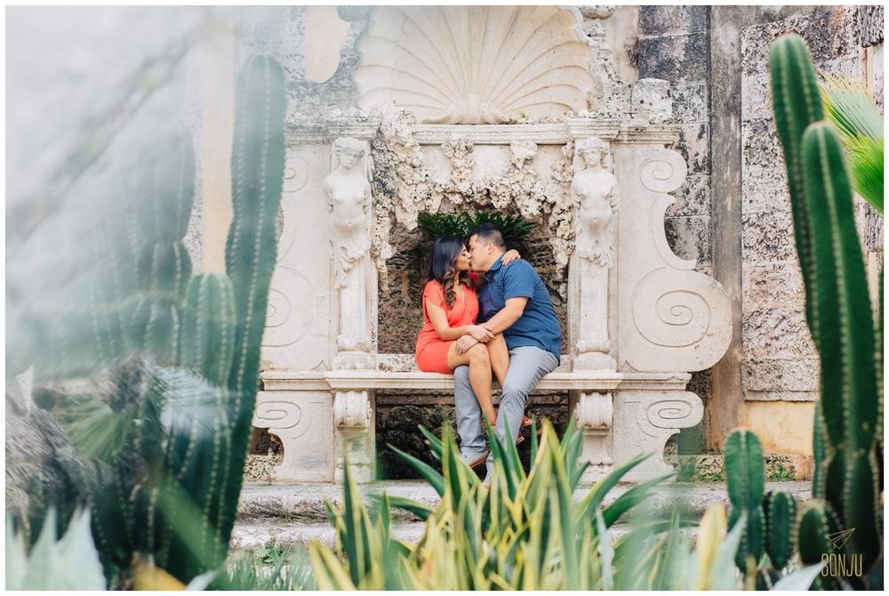 Engagement-session-vizcaya-miami-wedding-photographer-sonju00013.jpg
