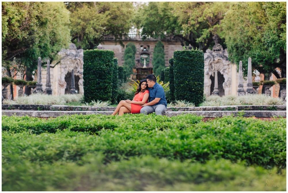 Engagement-session-vizcaya-miami-wedding-photographer-sonju00014.jpg