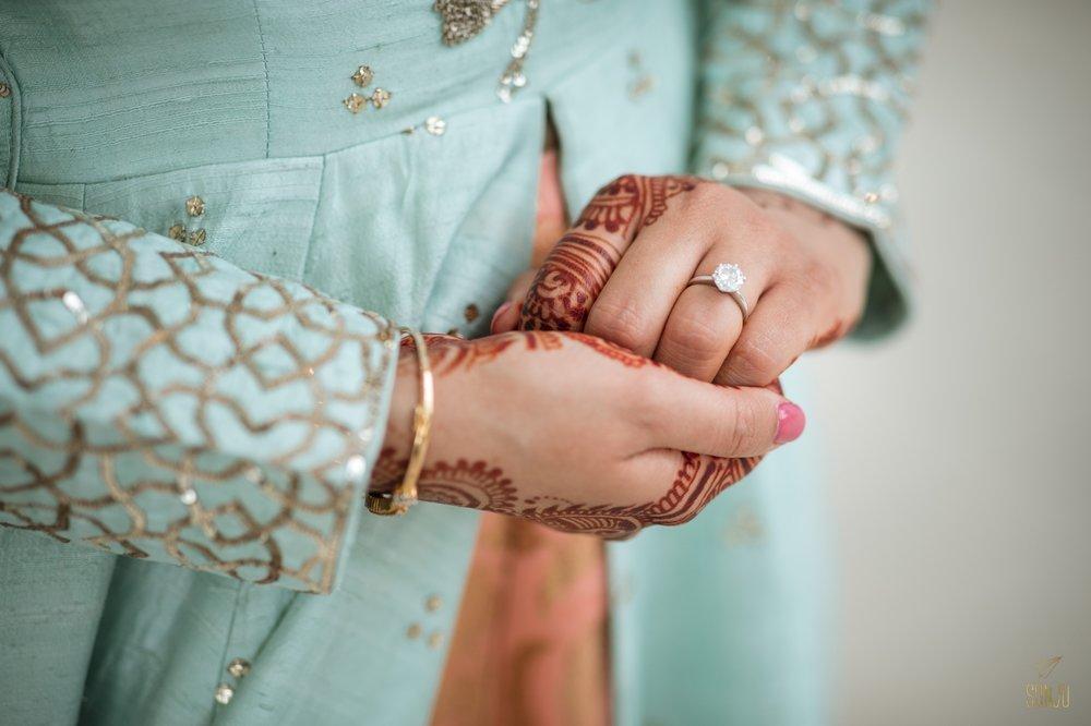 Hindu-bride-mehndi-ring-florida