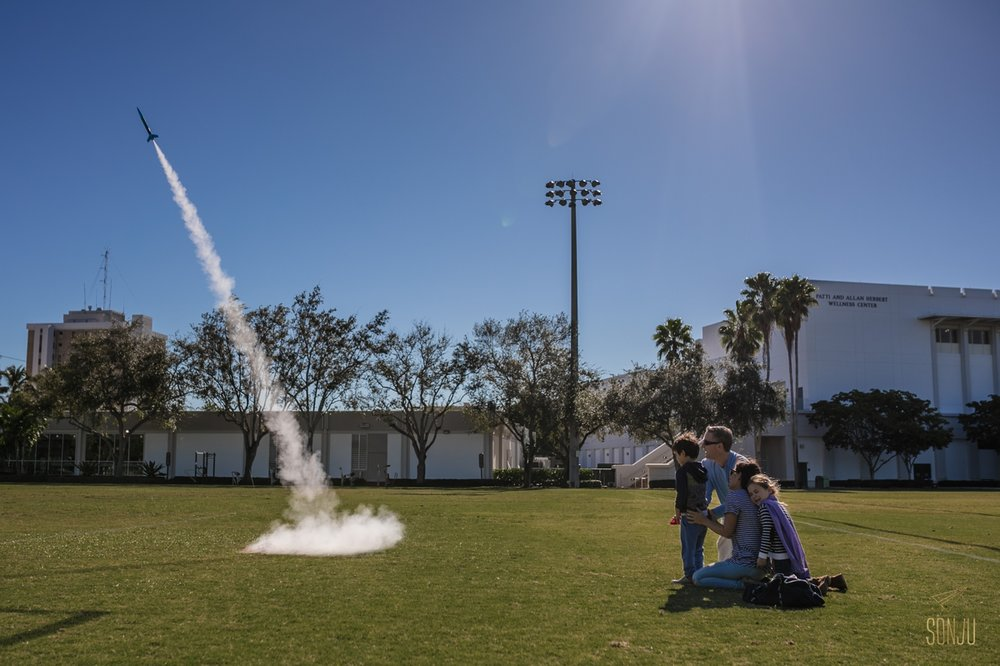 south-florida-rocket-launch-miami-family-photographer