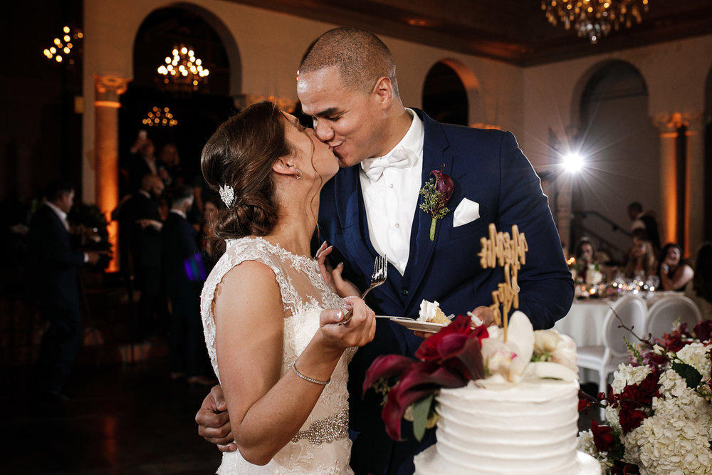 Miami-Wedding-Photographer-Coral-Gables-Venue-Cake-Cutting