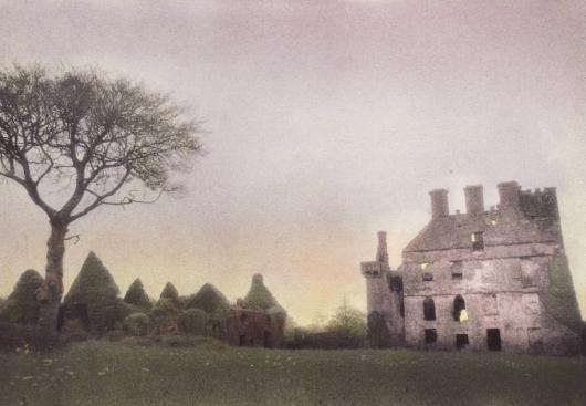 menlo castle.jpg