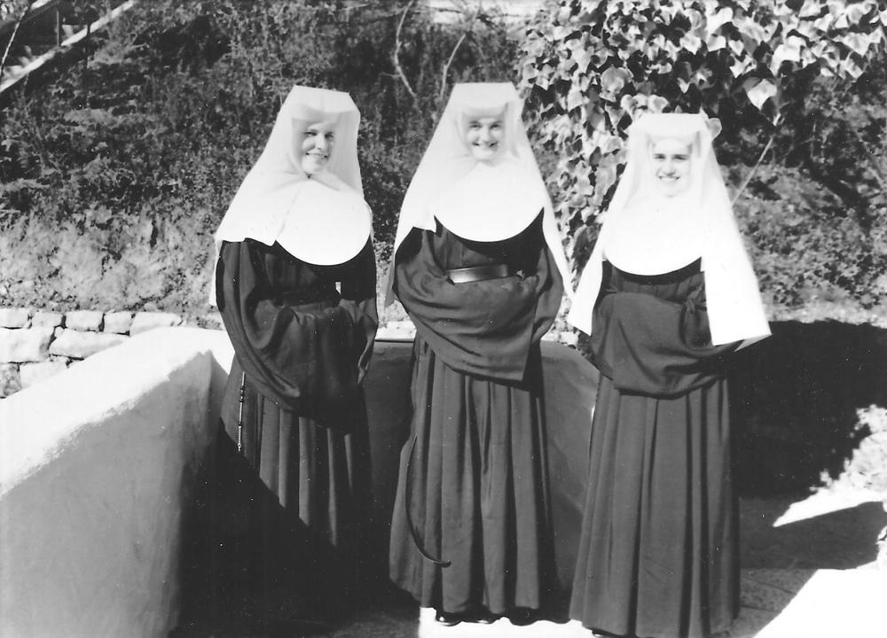 19 Sisters 7.jpg