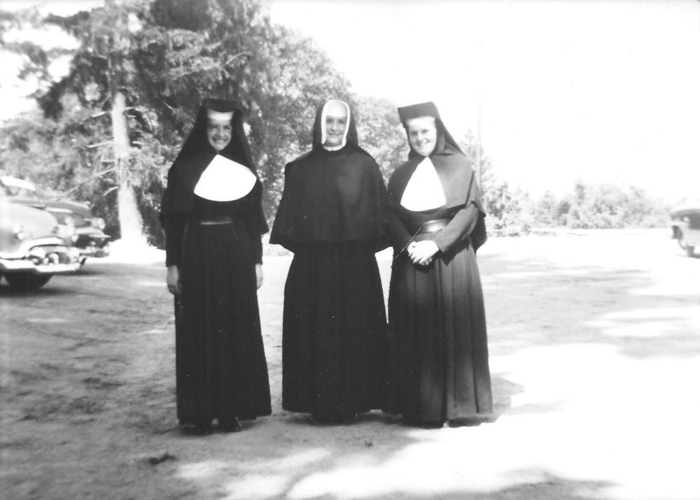 20 Sisters 6.jpg