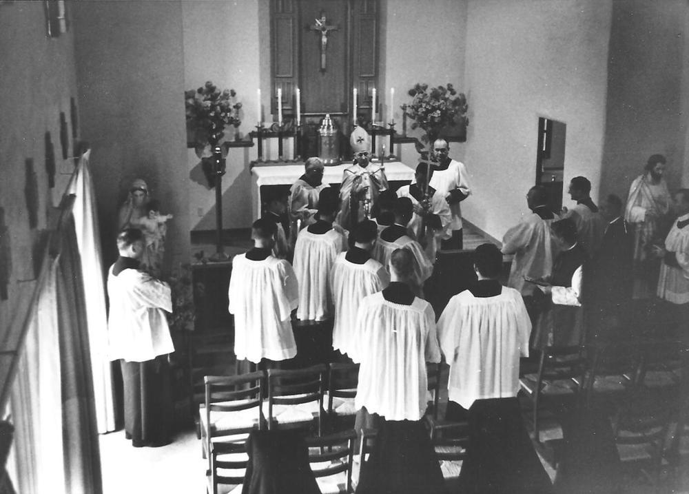 22 Sisters 12 in convent chapel.jpg