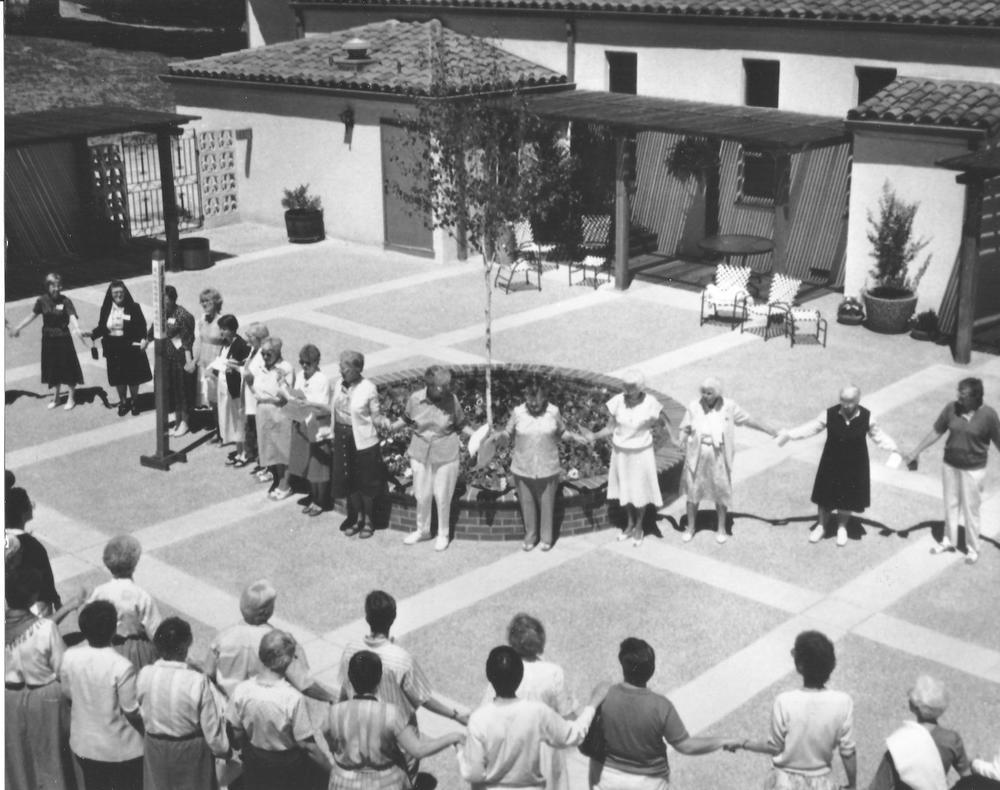 32 Sisters 19 in courtyard.jpg