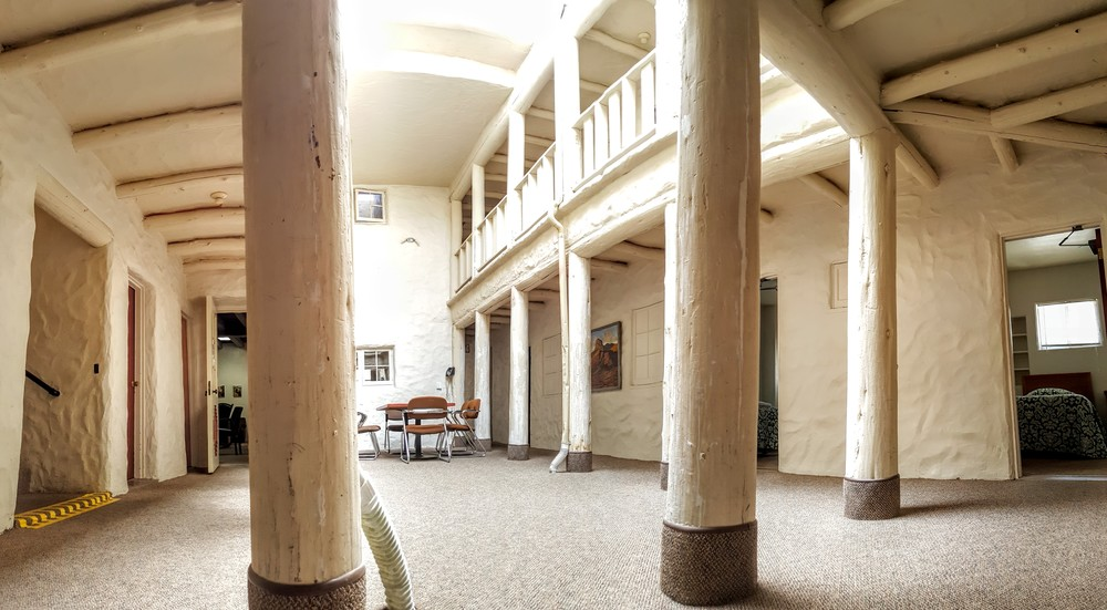 Pueblo Lodging Atrium