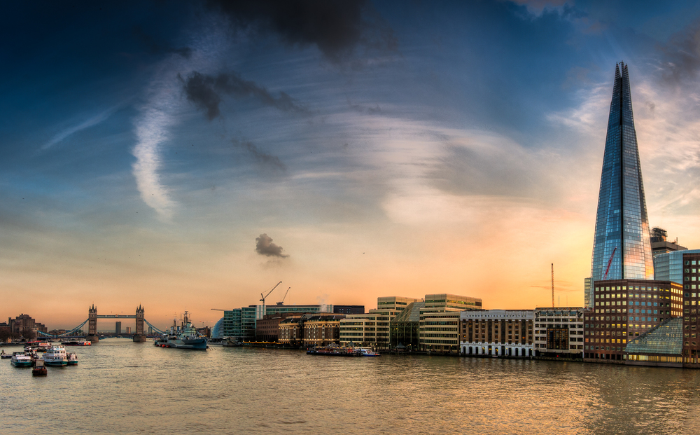 Sunset over London.jpg