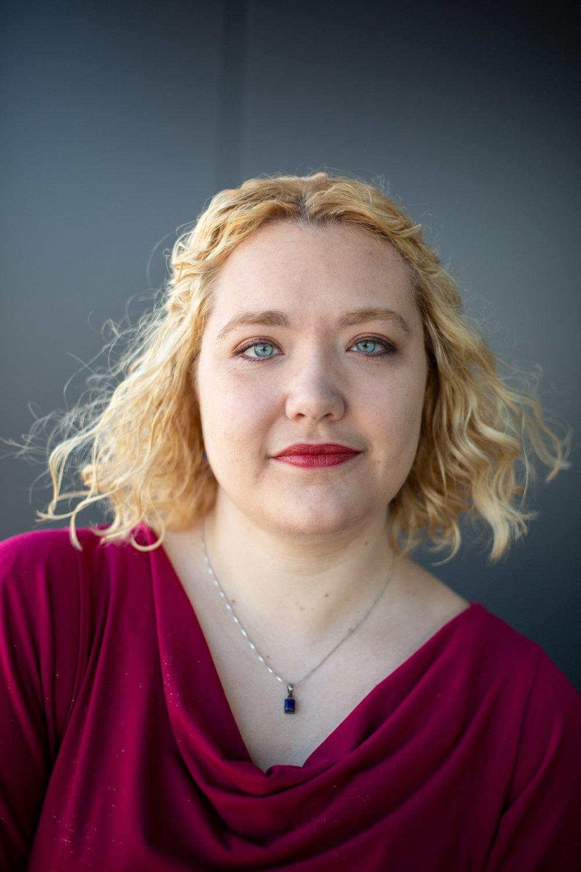 Diehl-Reader, Emily - headshot 2018.jpg