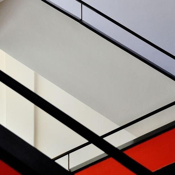 ARCHITECTURE 101 - The Bauhaus | 5.23.18