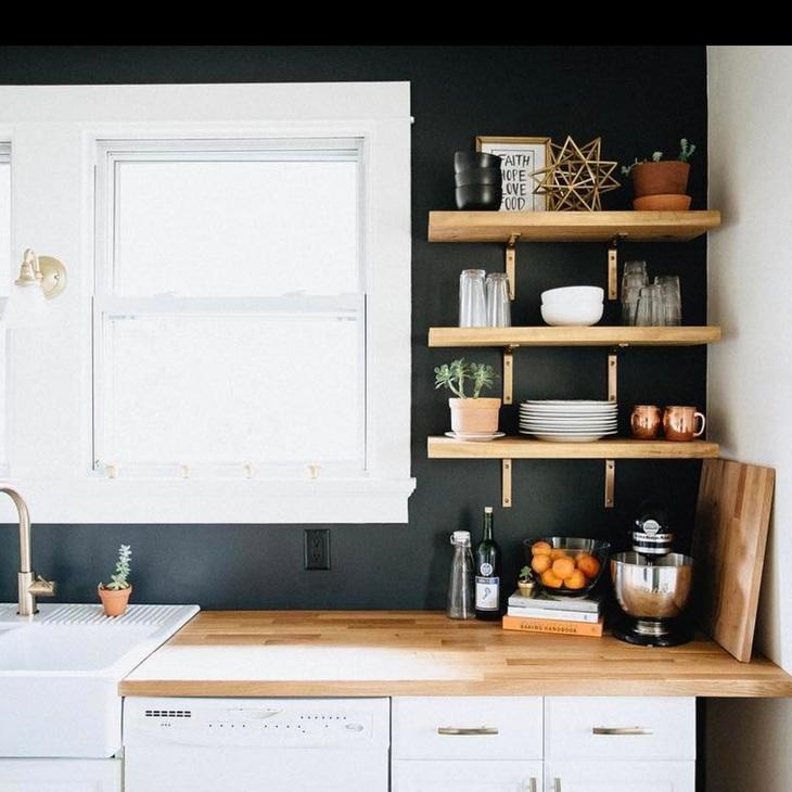 DESIGN ADVICE  Using Black in Interiors | 2.14.18   read more