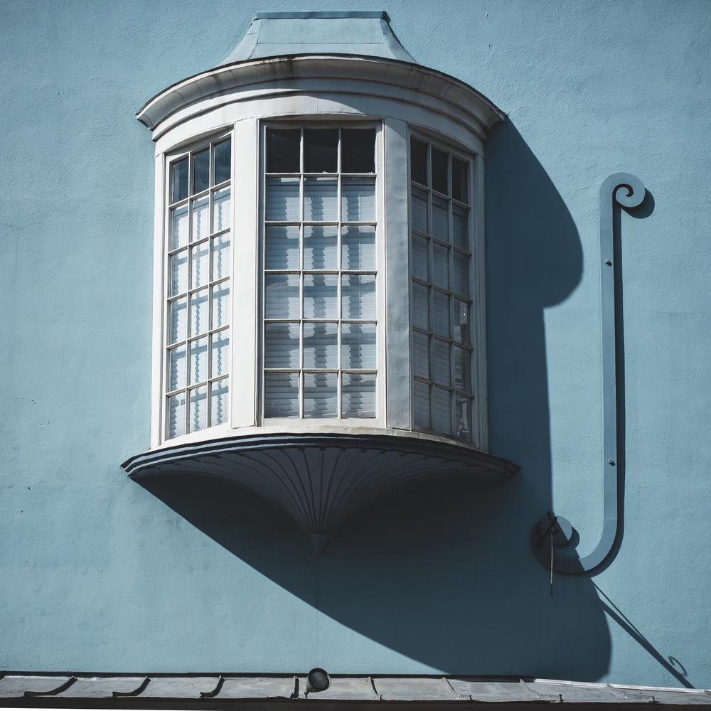 Window along King St in Charleston, SC