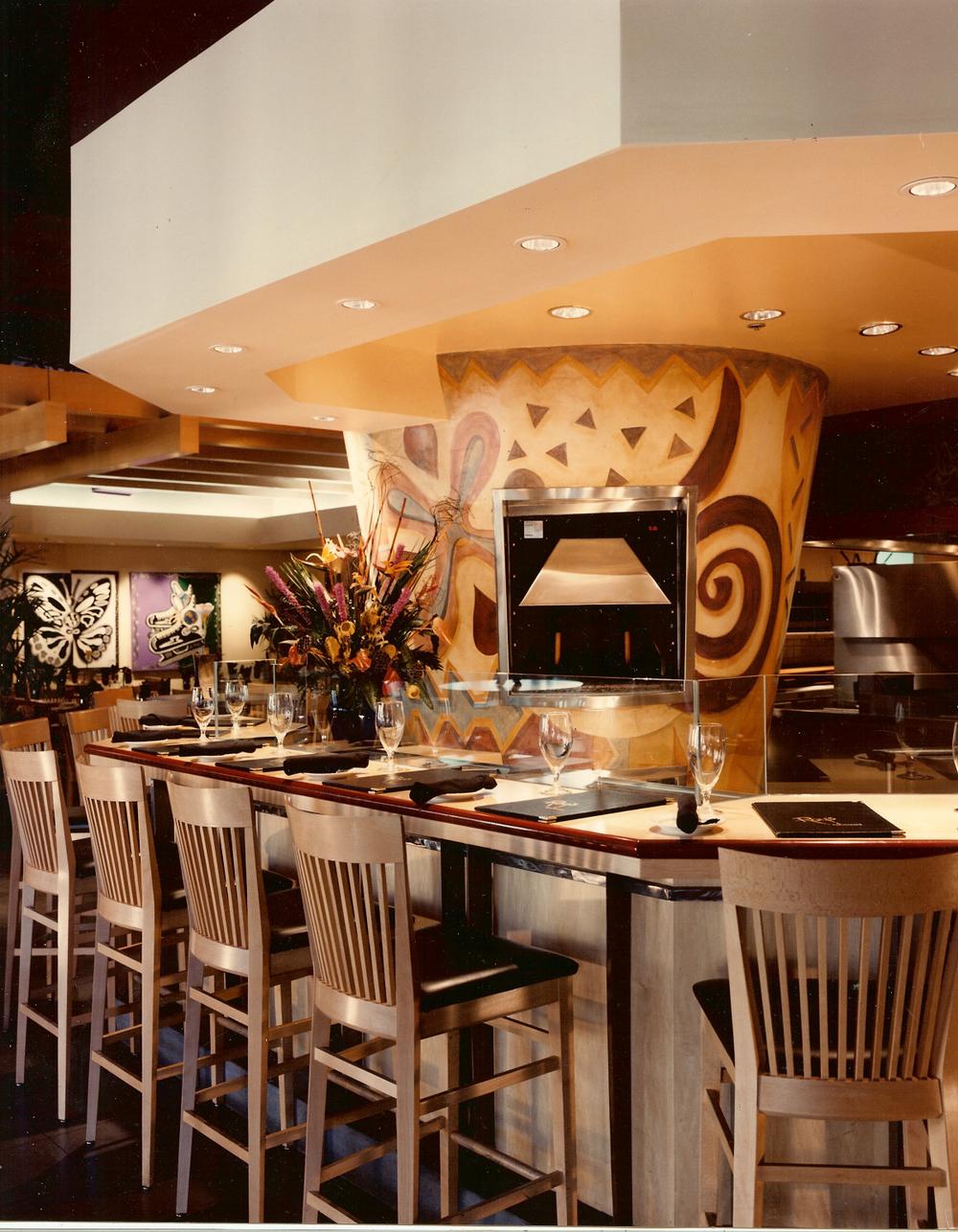 roy's restaurant.jpg