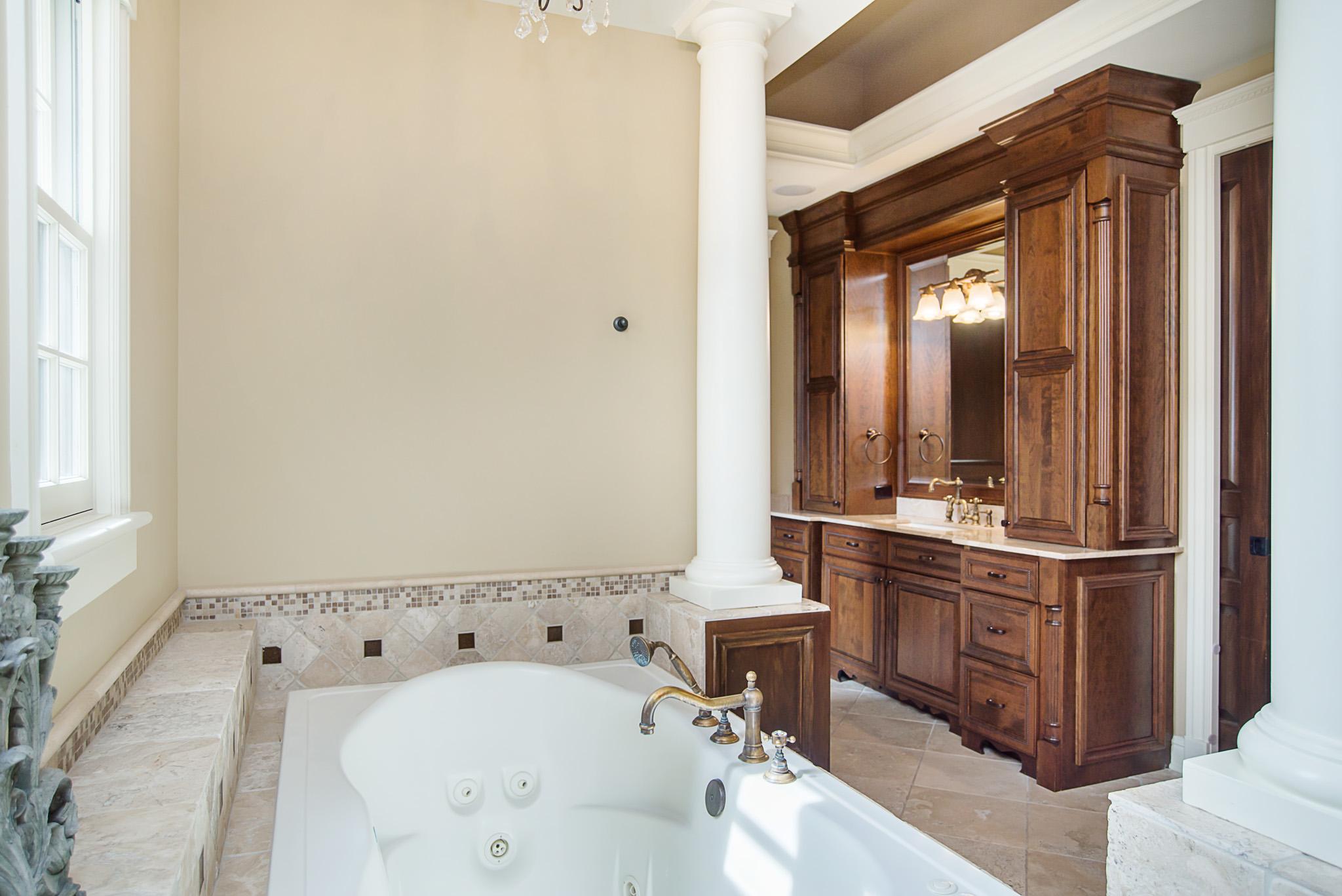 35-Master Bathroom.jpg