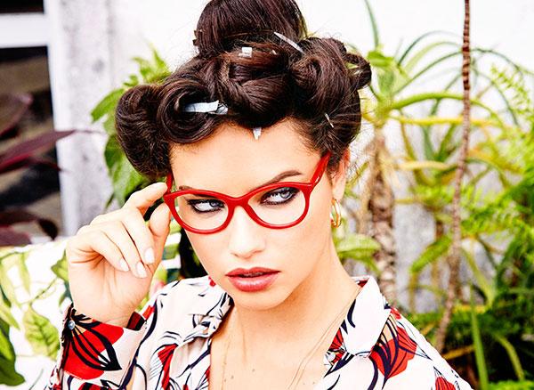 Adriana Lima en la ultima campaña de  Vogue Eyewear