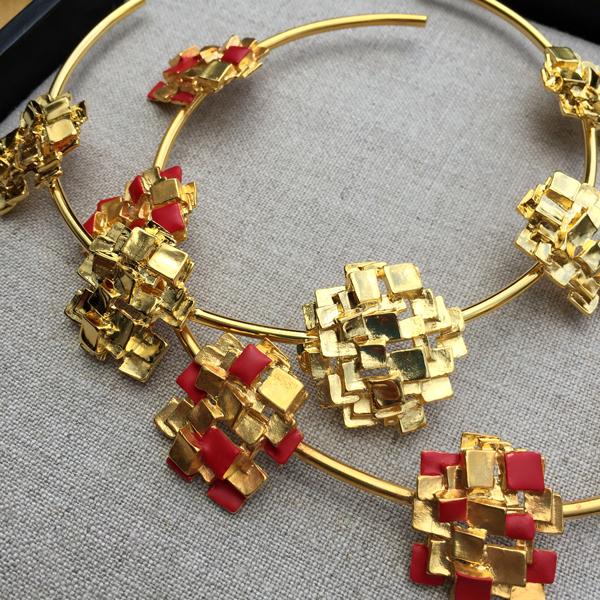 collares y anillos de la coleccion las godivas de pilar restrepo pr series