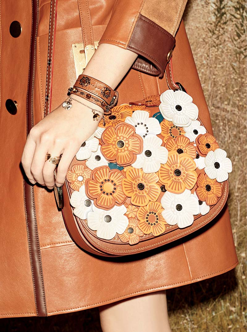 caretra de flores folk de la ultima colección de coach tendencias de moda 2016 top5fashion