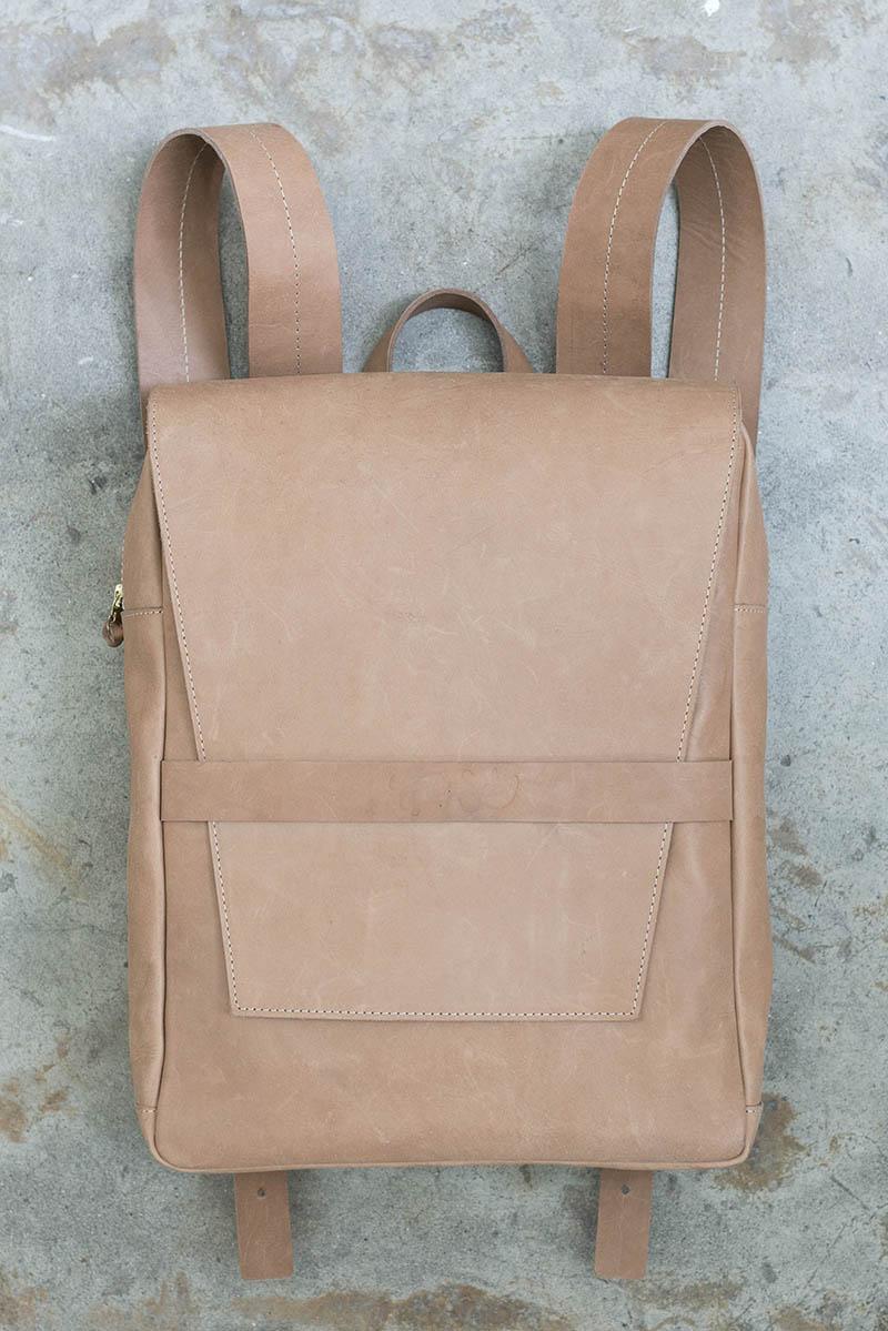 tigre-salon-maletin-cuero-dienadores-colombianos-5-minimalismo.JPG