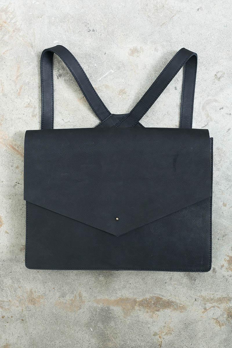tigre-salon-maletin-cuero-dienadores-colombianos-13-minimalismo.JPG