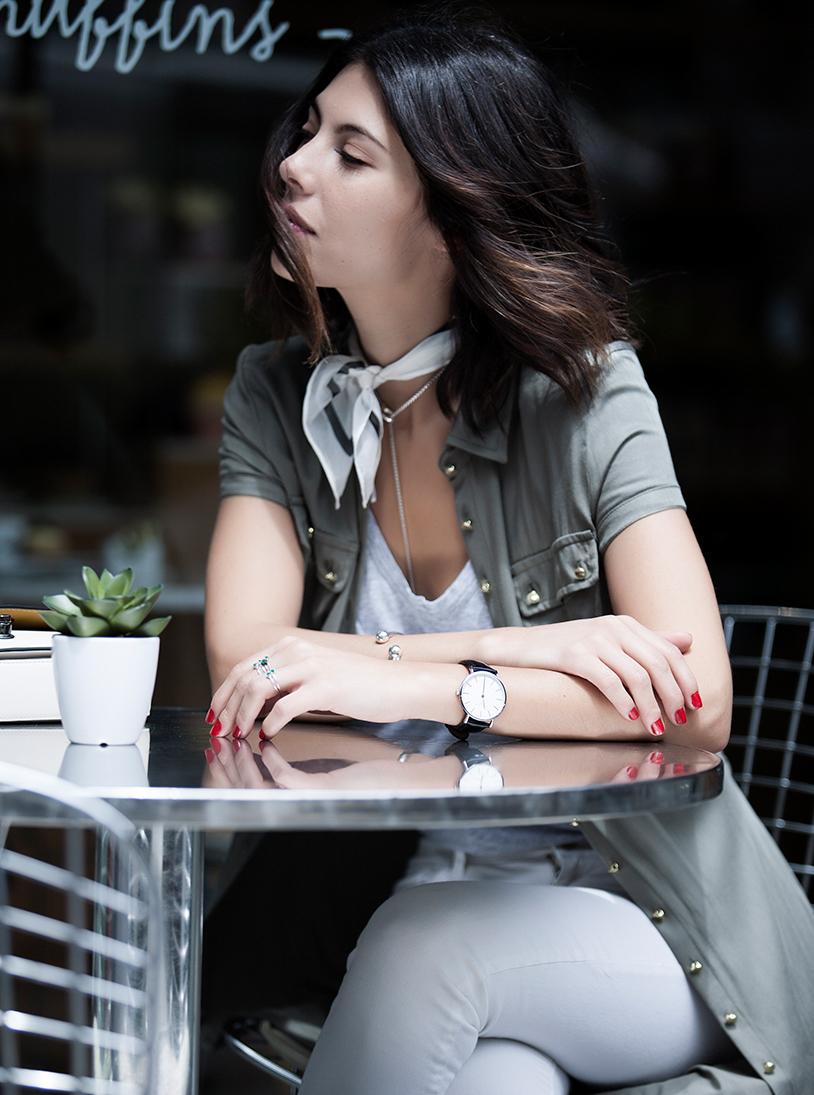 Looks de moda cool para usar en bogotá kimonos y camisas largas