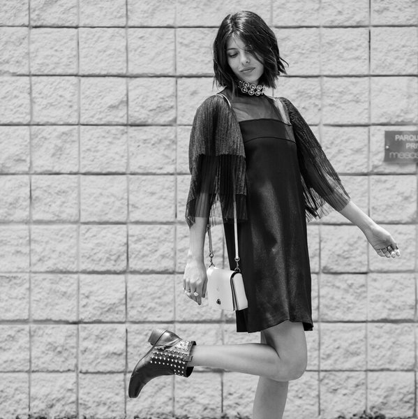 moda-cool-fashiontop5-ana-buendia-vestido-negro.jpg