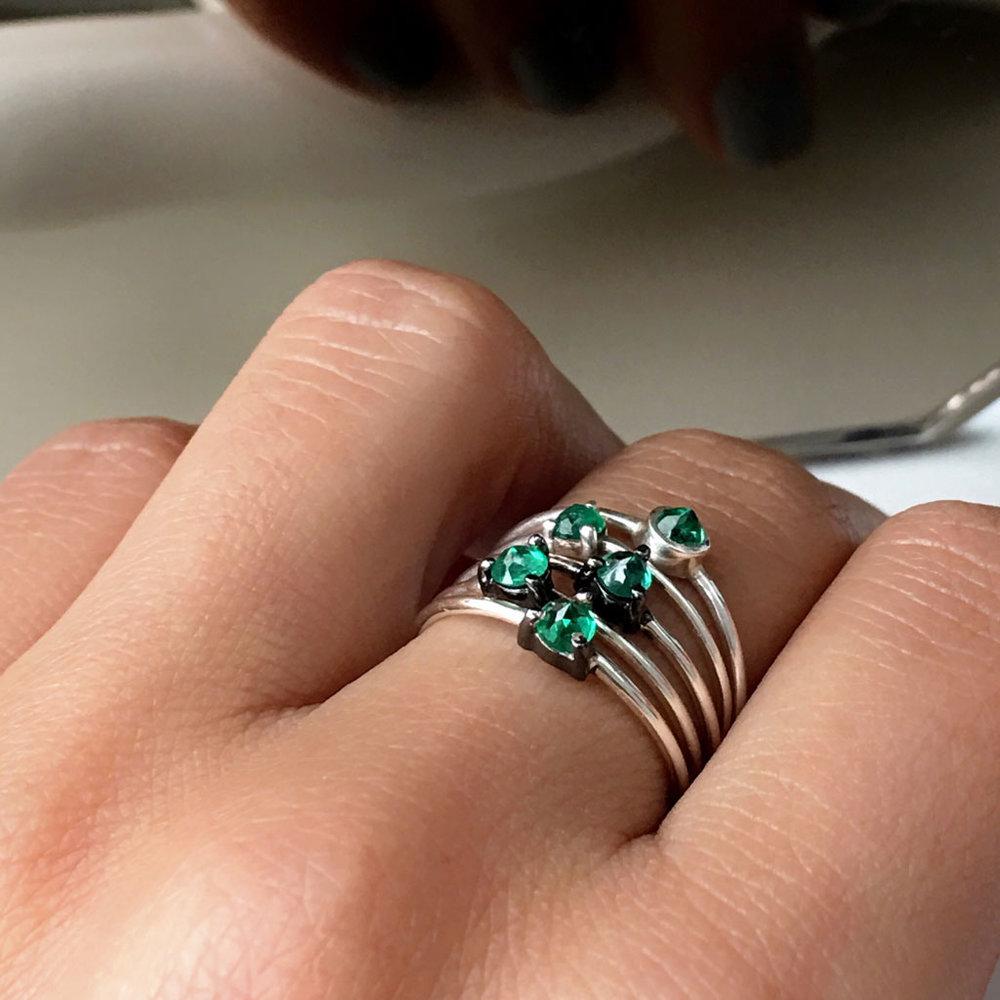 ana-buendia-jewelry-disenadores-latinos-latin-designers-best-anillos-esmeraldas-plata-4.jpg