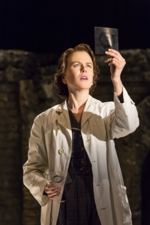 Nicole Kidman as Rosalind Franklin (photo by Johan Persson)