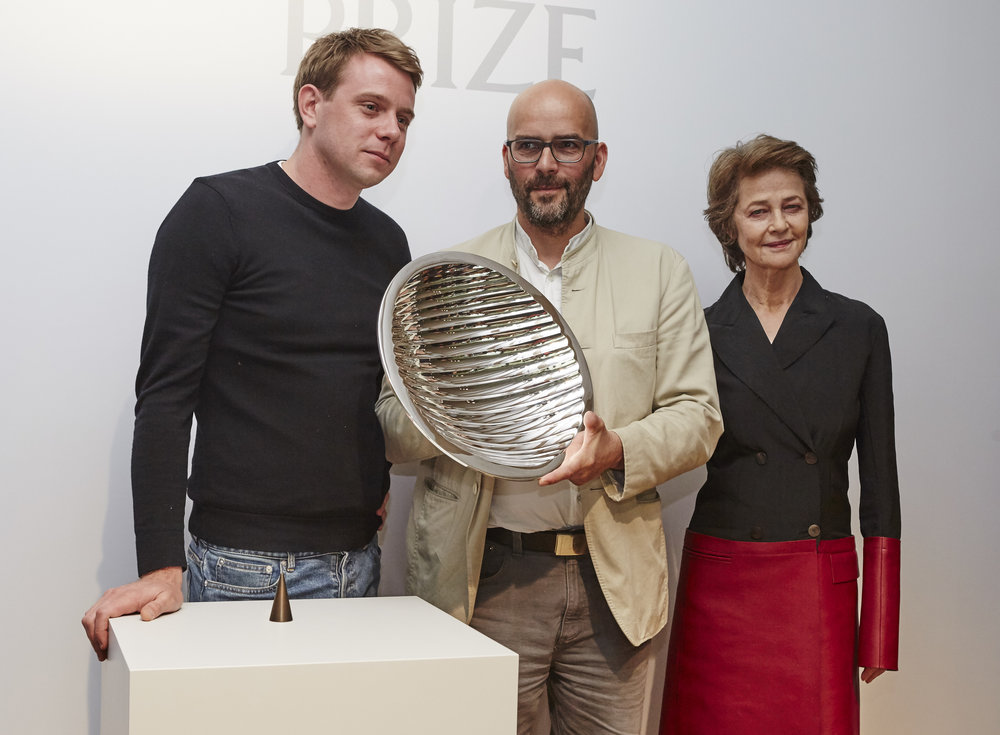 Jonathan Anderson with Craft Prize winner Ernst Gamperl, and Charlotte Rampling, photo courtesy of Loewe