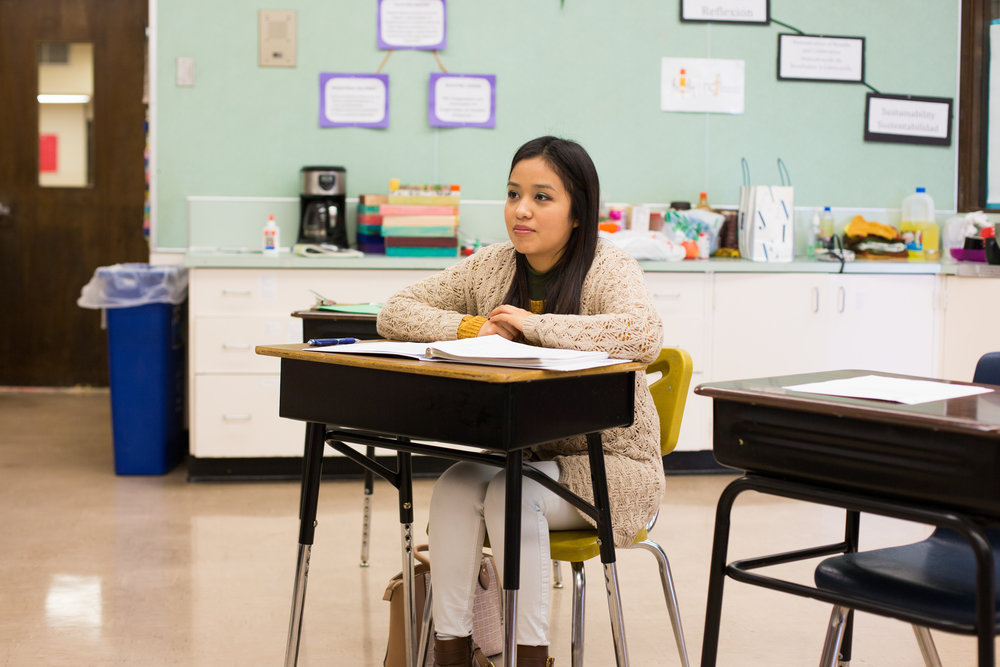 Yaneloy, an Adult Education program participant, attends an ESPERE session during class.