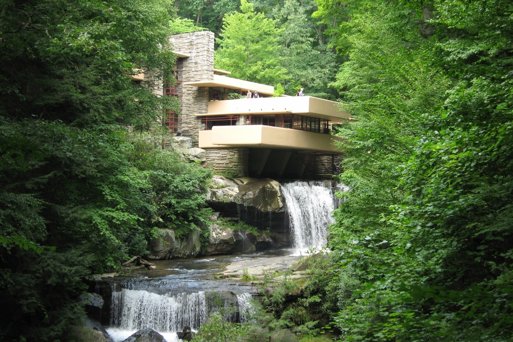 FRANK LLOYD WRIGHT'S MASTERPIECE.