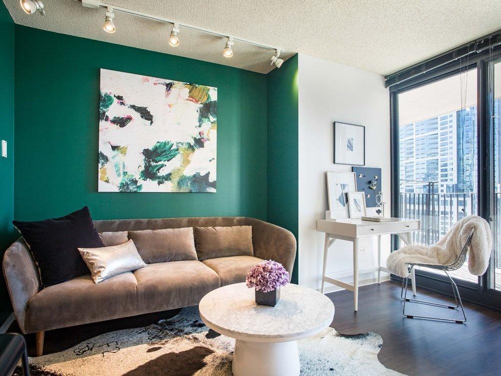 2713 Living Roomnew.jpg